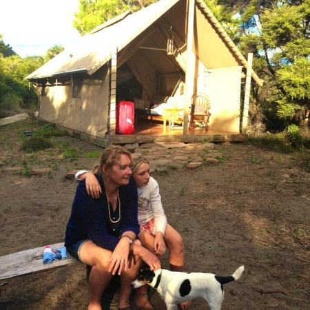 Wainamu Luxury Tents: Near camp fire