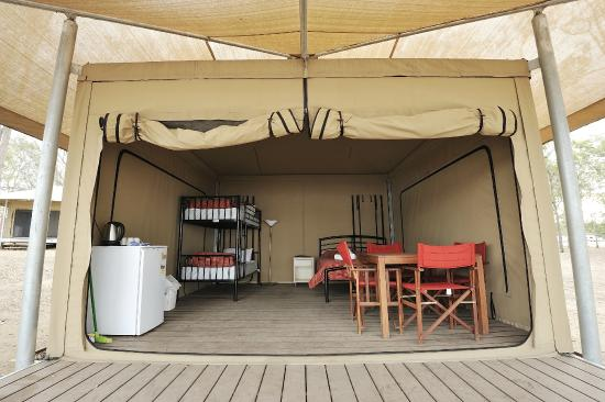 Lake Somerset Holiday Park: Safari tent