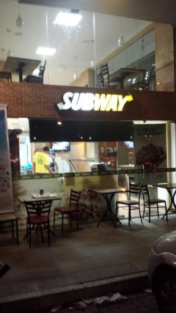 Subway Domingues Correa