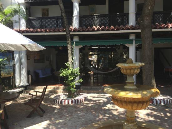 Hotel Casa de las Palmas: View of the rooms and shared area