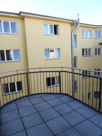 Orion Hotel: balcony of room