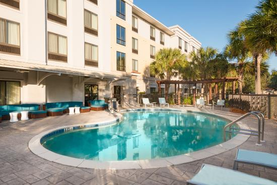 SpringHill Suites Fort Myers Airport: Outdoor Pool
