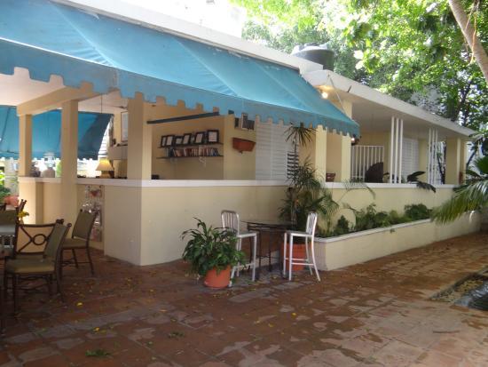 Casa Del Caribe Inn : Entrance & lobby