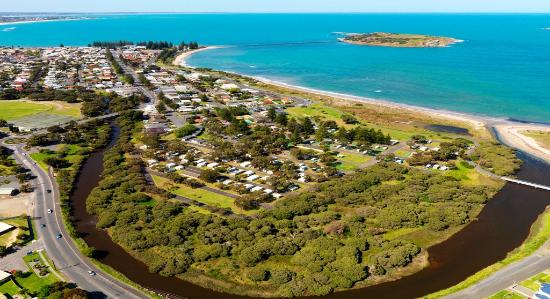 Victor Harbor Beachfront Holiday Park: aerial view
