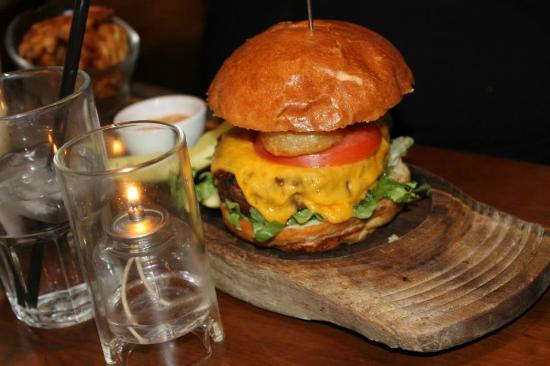 Max Brenner: My Friends Burger