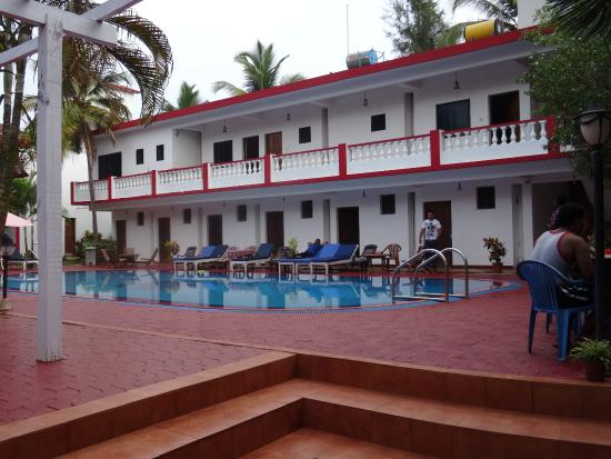 Anjuna Beach Resort: Pool Bereich