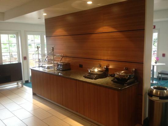 Springhill Suites Houston Medical Center/ NRG Park : Free Breakfast