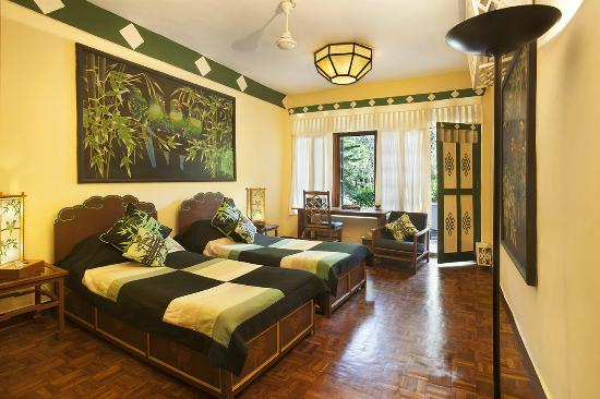 Norling House: Parrot Room