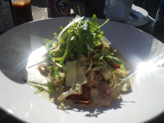 Zevenwacht Cellar & Vineyards: Broccoli and Bacon pasta dish