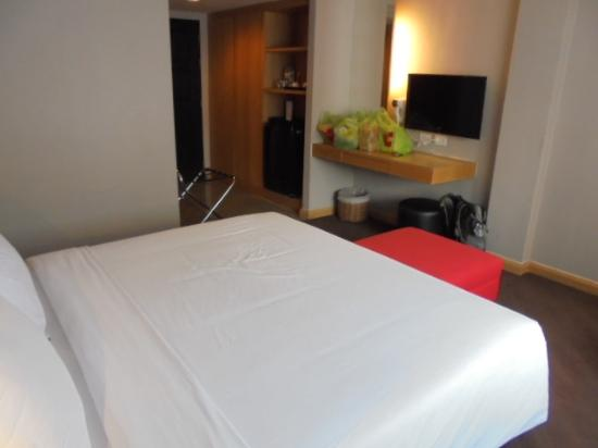 Hotel Vista Express : Clean and nice bedroom