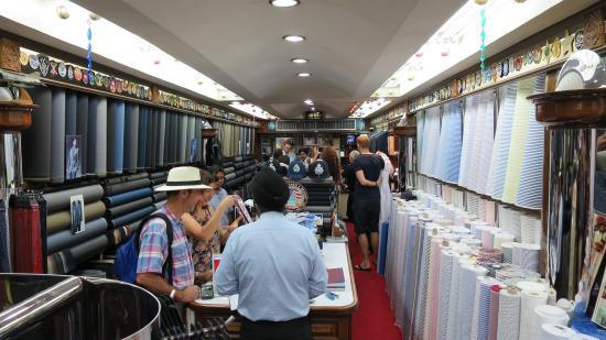 Rajawongse Clothier: Huge selection of cloth