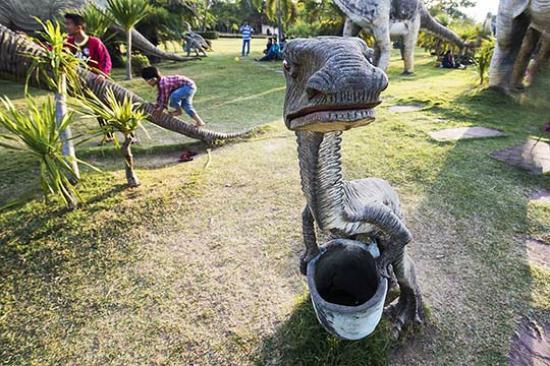 """Sahatsakhan, Thailandia: """"Do-Not-Litter"""""""
