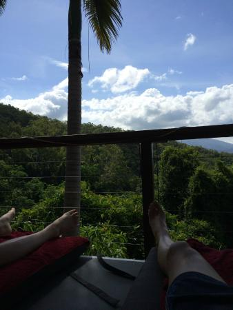 Mai Tai Resort: Amazing view beside the pool. Nap time.