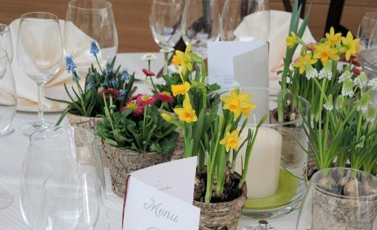 Hotel Therme Bad Teinach: Gedeckter Tisch im Wintergarten