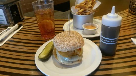Bobby's Burger Palace: Vegas burger with fries