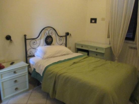 Hotel Galli: Single room with double bed