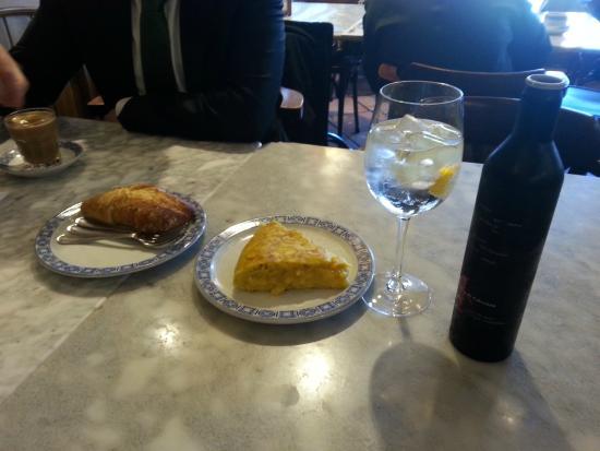 "Cerveceria Restaurante Casa Martina: ""Tortilla de patata"""