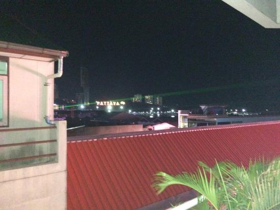 Grand Hotel Pattaya: Вид с балкона