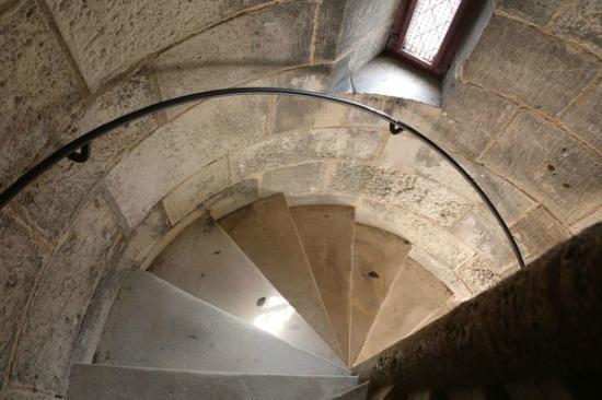 Tour Saint-Nicolas: Les escaliers sont superbes