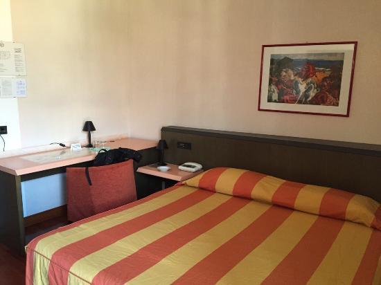 Hotel Campelli: Camera luminosa e con balcone