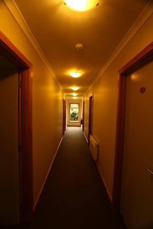 Aoraki Mount Cook Alpine Lodge: Passageway