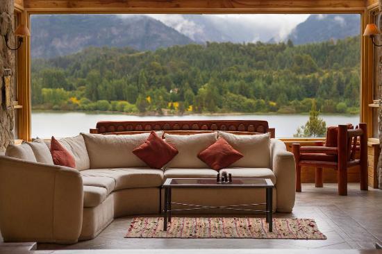 Peninsula Petit Hotel: Sala de estar