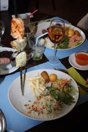 Picanha Do Brasil: Voici 3 des 6 poissons que le grilladin ma servi !!! Délicious. !