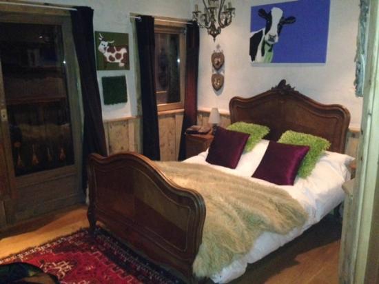 La Ferme du Lac Vert : Bedroom was very clean with a good sized en-suite
