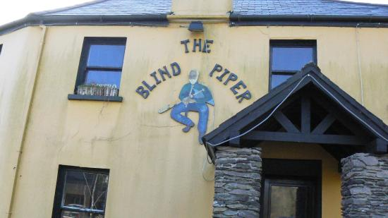 The Blind Piper: Outside the Pub