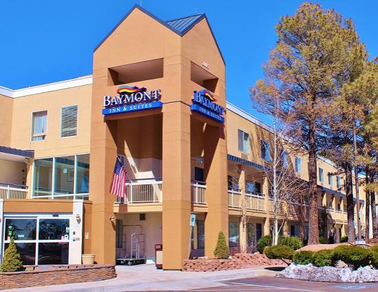 Baymont Inn & Suites Flagstaff: Outside View/Entrance