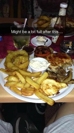 The Red Cow Restaurant & Sports Lounge : Mixed Grill