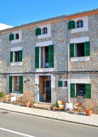 Hostal Rural Can Busquets: Hotel