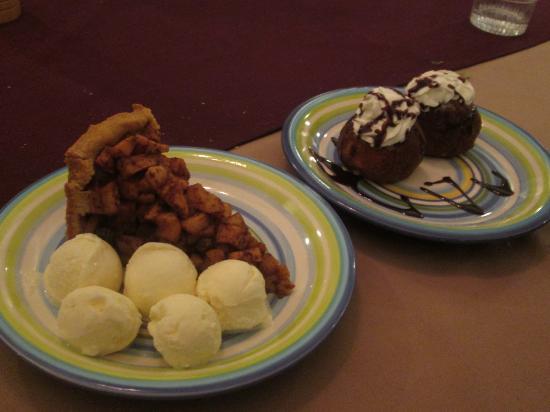 De Bonte Koe: apple pie ala mode, and fried ice cream