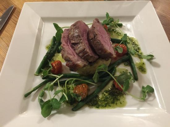 Ye Olde George Inn: Rump of lamb with nicoise potatoes, cherry tomatoes and green beans
