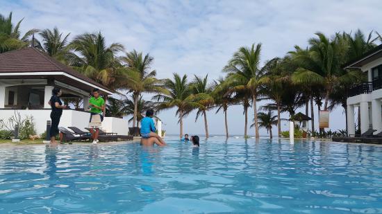 Puerto Del Sol Beach Resort The Infinity Pool