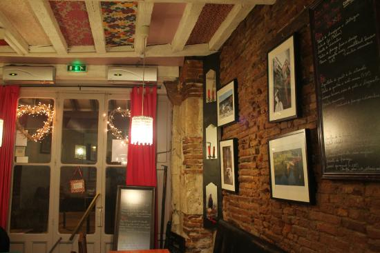 Roulotte Toulouse inside the restaurant - picture of la roulotte, toulouse - tripadvisor