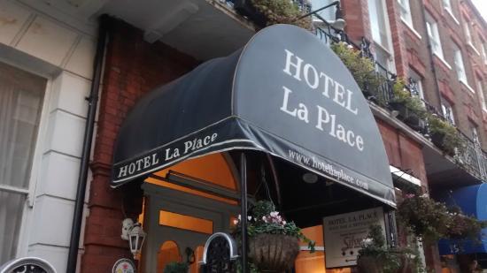 Hotel La Place: Entrada