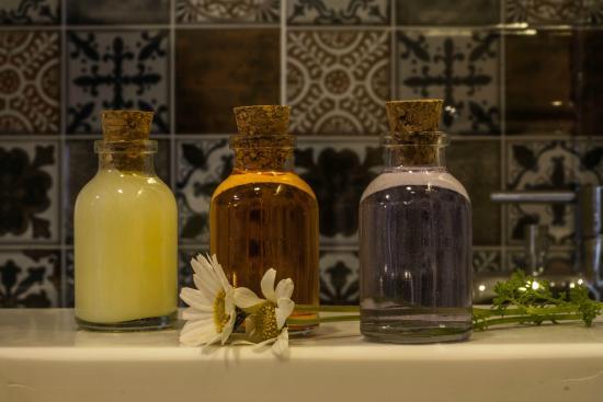 Ada Home Istanbul: Shampoo, Showergel