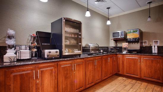 BEST WESTERN PLUS Inn at Valley View : Breakfast Area