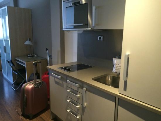 Aramunt Apartments: Cocina