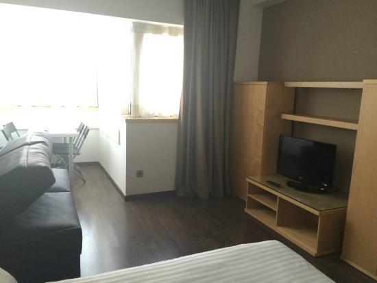 Aramunt Apartments: Habitación