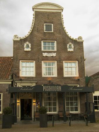 Suitehotel Restaurant Posthoorn: Voorkant van het hotel