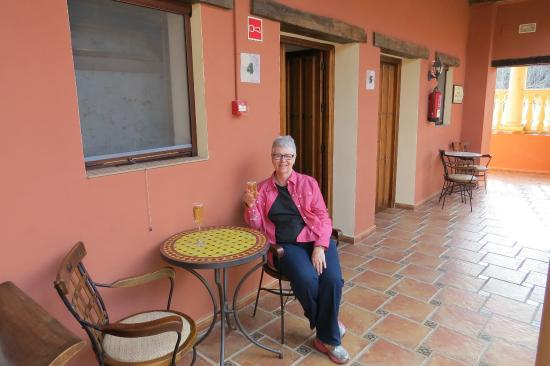 Hotel Molino del Puente Ronda: Enjoying the glass of wine recieved on arriving