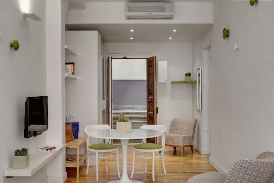 Hotel Piazza Bellini: Apartment