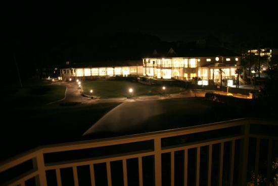 Inn & Club at Harbour Town - Sea Pines Resort: Evening view from room
