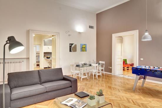 Hotel Piazza Bellini: Living room in the value apartment