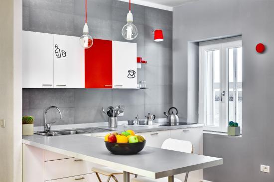 Hotel Piazza Bellini: Kitchen in the value apartment