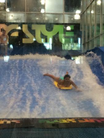 indoor surfing machine