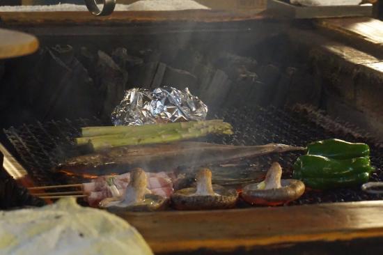 Kushiro Robata : Cooking on the fire