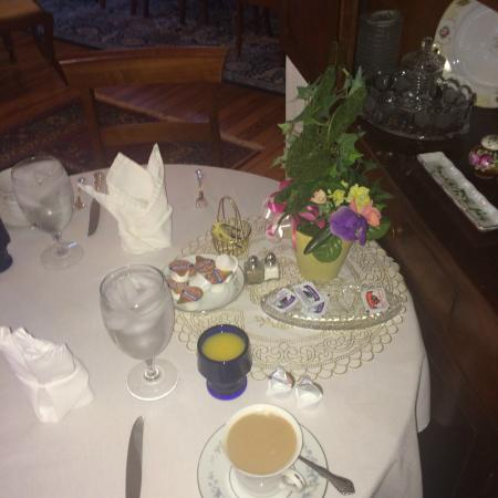 The Bennett House Bed and Breakfast: Our Lovely Morning Coffee